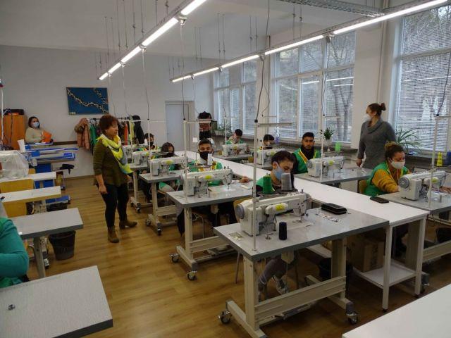 """Училищен кръг за национално състезание """"Млади таланти в модата"""" 2020/2021 г."""