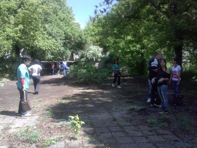 """Пролетно почистване на Природен парк """"Сините камъни"""""""